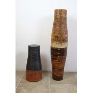 Carlos Vergara - S/T - Tríptico - Esculturas em parafina e pigmentos, montadas uma sobreposta à outra (104 cm alt.) e uma separada (53 cm alt.) - obra adquirida do próprio artista - pequenas falhas nas bordas - peças muito pesadas.