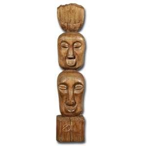 Manoel do Bonfim. Totem de madeira entalhada, assinada atrás: MB; 52 cm de altura. Salvador - Bahia, séc. XX.