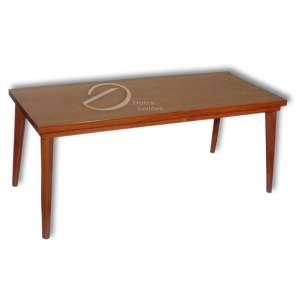 Mesa de centro de madeira encerada; tampo retangular apoiado em quatro pernas cilíndricas; 49 x 120 x 51,5 cm de altura. Brasil, séc. XX.