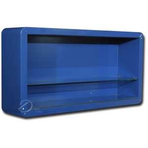Vitrine de madeira laqueada de azul com uma prateleira de vidro, encerrado por tampo de vidro fixado por quatro roscas; 119 x 25,5 x 60 cm de altura. Brasil, séc. XX.