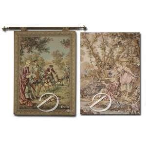 Tapeçarias francesas Gobelin manufaturadas, ambas representando cenas com personagens, uma de caça outra romântica; medindo 115 x 85 cm e 100 x 70 cm, respectivamente.