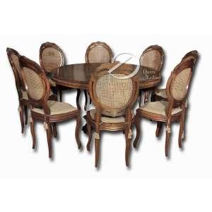 Conjunto brasileiro de mesa circular de madeira com oito cadeiras de espaldar alto; mesa com 140 cm de diâmetro e 78 cm de altura e cadeira com 107 cm de altura do espaldar.