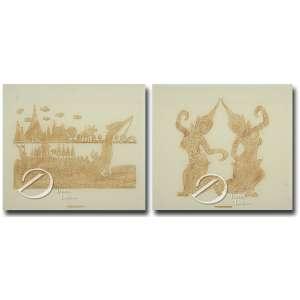 Duas xilogravuras monocromáticas ocre em papel de arroz, 54 x 60 cm, marcado Thailand, representando grande barco com múltiplos remos e cabeça de dragão na proa tendo ao fundo inúmeros templos, e a outra dançarinas caracterizadas. Emolduradas e protegidas por vidro.