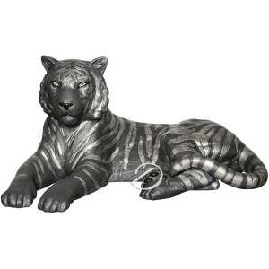 LLadro - Tigre negro e prata. Escultura de porcelana fina representando tigre deitado, pertencente a coleção de 2017 de Alfredo Llorens, referência 01009261; na base selo; 49 cm de comprimento e 25 cm de altura. Espanha, séc. XXI.