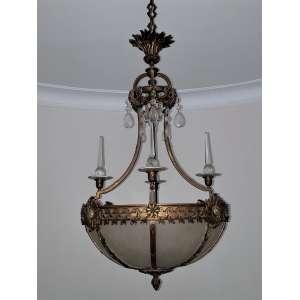 Fino lustre em bronze e placas de vidro acidado - torres e pedras em cristal - medidas, 100 x 57 cm - França, séc. XIX/XX