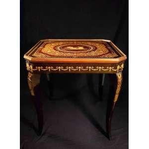 Mesa de apoio em madeira ricamente marchetada e reversível para jogo - no estado, roleta substituída - 75 x 75,5 x 75,5 cm - Itália, séc. XX