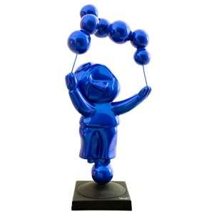Inos Corradin - O Equilibrista – 66 x 30 cm – Fiber Glass em Pintura Azul Perolada – Ass. Base – Apresenta certificado de autenticidade assinado pelo artista.