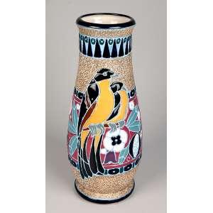 ARTISTA DESCONHECIDO - Vaso de cerâmica Tcheca Amphora com decoração de pássaros e flores, 36 x 15 cm, déc. 30