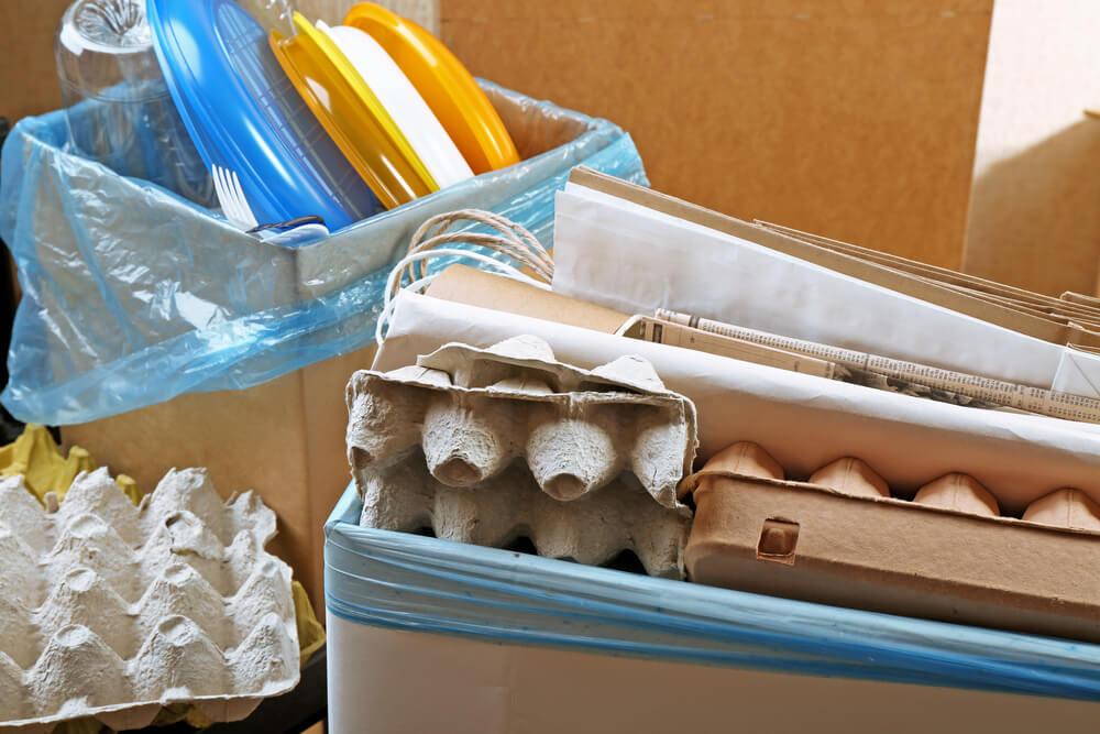Material reciclado faca seu proprio revisteiro