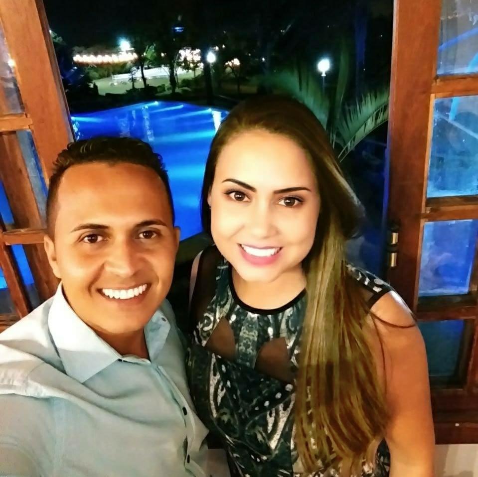 Thiago Bruno e Aline Aguiar