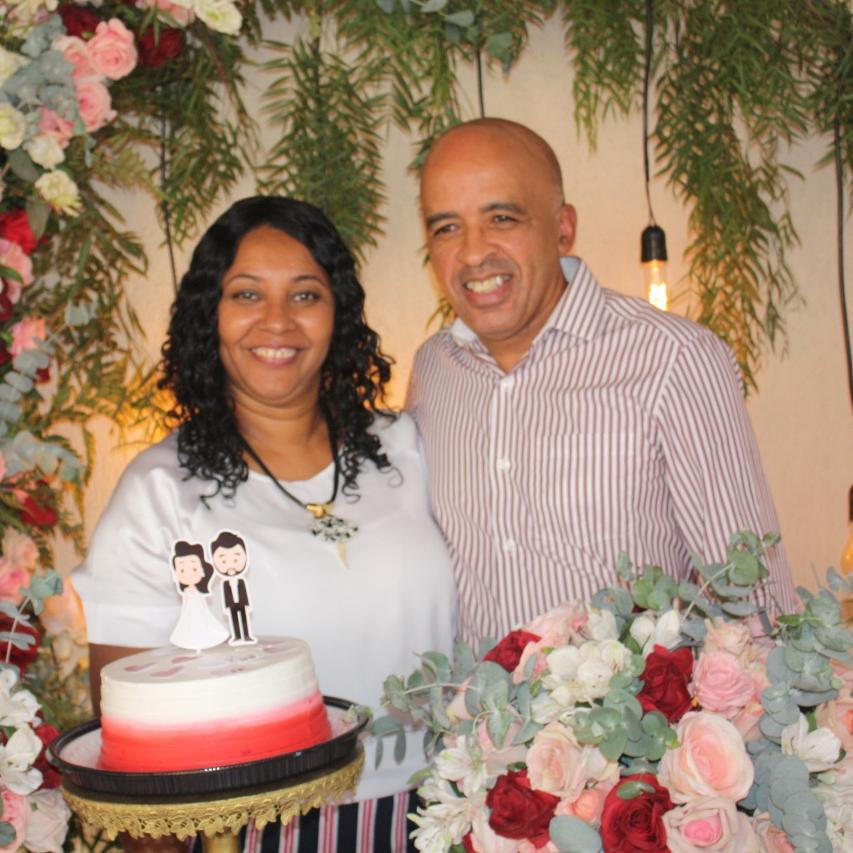 Ronaldo Luiz Gomes e Elaine Silvestre Gomes