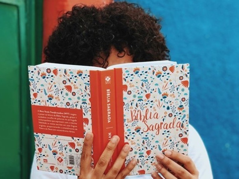Seara Livraria oferece leitura para tempo em casa