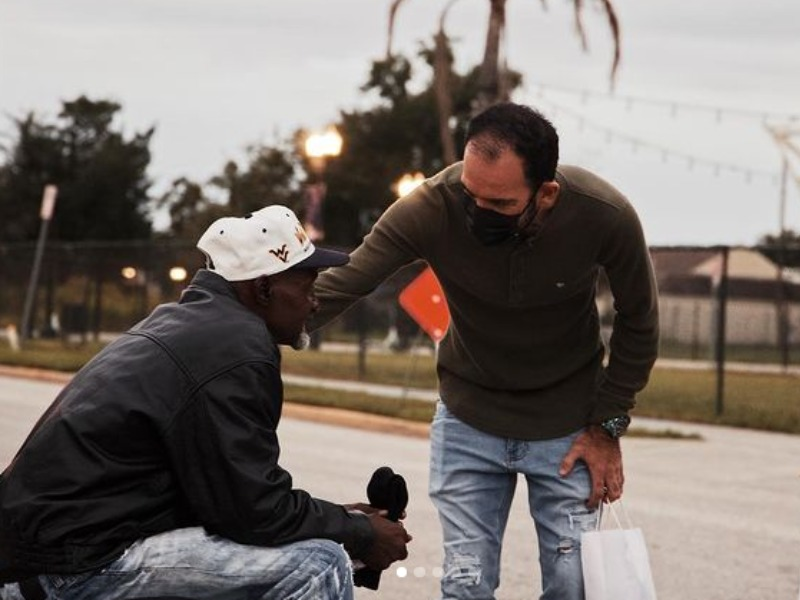 Lagoinha leva amor aos moradores de rua nos EUA
