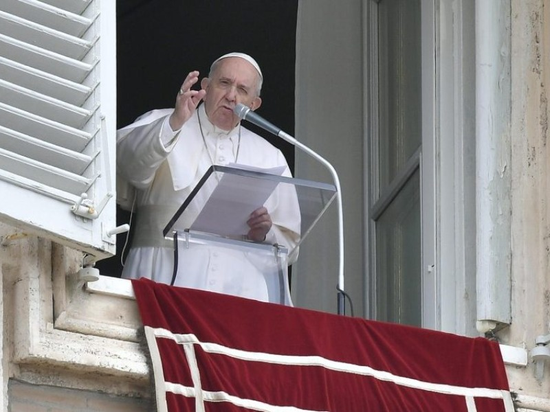 O Papa no Angelus