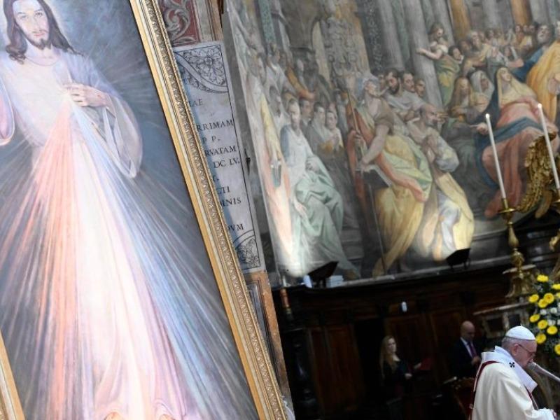 Papa recorda a festa da Divina Misericórdia: