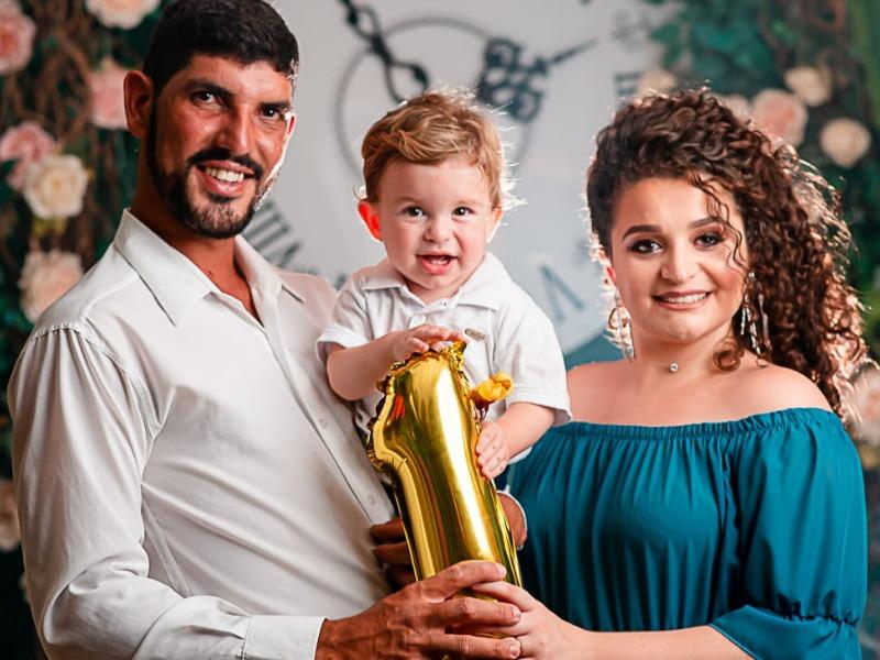 BÊNÇÃO DO DIA: Paula Moreli Garcia e família