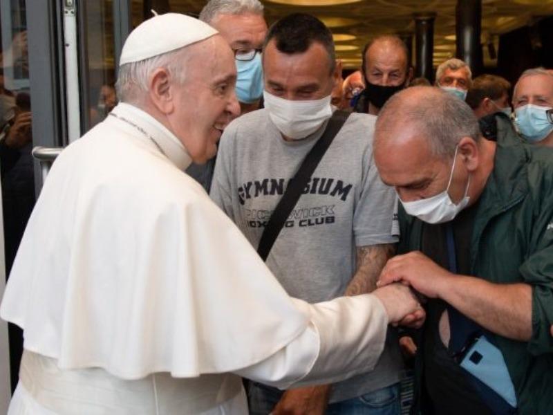 O encontro do Papa com refugiados e sem-teto
