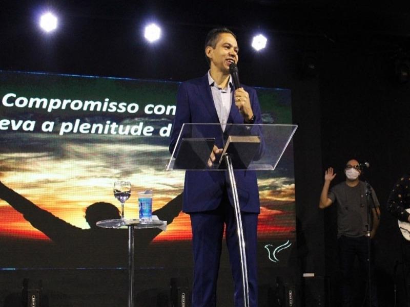 Ter um compromisso com Deus, nos leva à plenitude de vida
