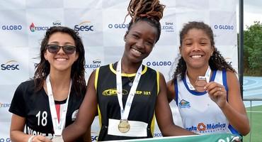Anne Crystyan se despede do Intercolegial com dois ouros e o vice-campeonato do atletismo livre feminino do Ciep Ulisses Guimarães