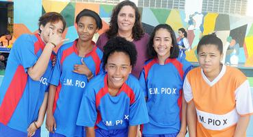 Após perder a goleira nos últimos cinco minutos de jogos, Escola Municipal Pio X arranca vitória dramática