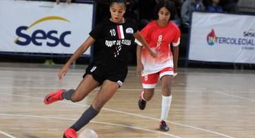 Camisa 10 do Loide Martha desequilibra na decisão e comanda vitória por 3 a 2 contra o Odete São Paio no futsal sub-15 feminino