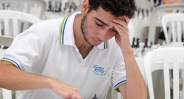 Com apenas 16 anos, João Carlos é vice-campeão sub-18 do campeonato brasileiro de xadrez