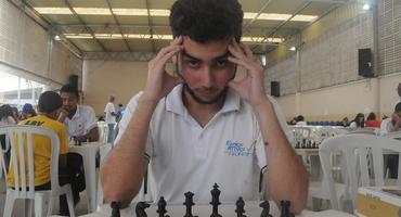 Com apenas um ano de xadrez, João Carlos tem sete títulos estatuais é um vice brasileiro