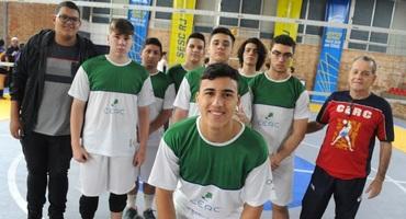Com o esporte no DNA, Pedro Henrique, atleta do Cerc e muso da segunda rodada do vôlei, quer seguir os passos da família
