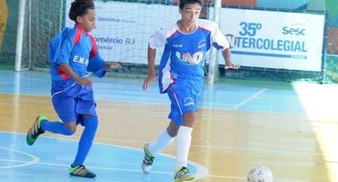 Com quatro gols, Pedro Rodrigues desfila todo seu talento na vitória do Reis dos Santos