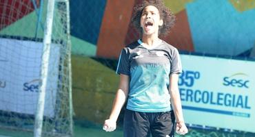 Com três gols, Keyla decide na vitória do Cefet de Nova Iguaçu sobre o Sesi Maracanã