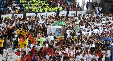 Com uma festa de arrepiar, Desfile de Abertura dá início à maior competição entre estudantes do Brasil