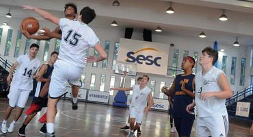 Fim de semana terá estreia do vôlei de praia, com definição dos finalistas, quarta rodada do futsal e terceira do basquete