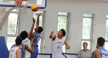 GEO Sócrates se classifica para duas finais do basquete com vitórias no ginásio do Sesc Ramos