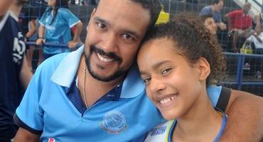 Irmãos, Rômulo e Janine celebram primeira competição e ganham medalhas juntos no basquete 3x3