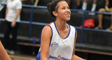 Kelly mostra personalidade na campanha do Santa Mônica Centro Educacional, vice-campeão do basquete 3x3 livre feminino