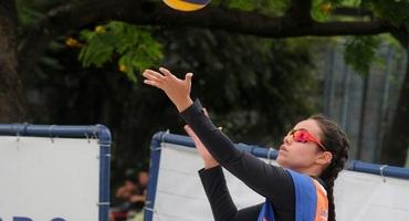 Logo em sua estreia no Inter, Melissa ganha a medalha de bronze no vôlei de praia não federado, pelo Santa Mônica Centro Educacional