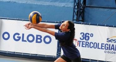 Mesmo sem se descuidar em nenhum momento da beleza, Luiza gosta mesmo é de praticar esportes