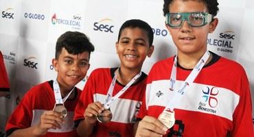 Miguel se inspira no basquete norte-americano e tem atuação de gala na conquista da medalha de bronze do handebol sub-12, pelo Pio XI