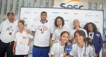 Ômega, de Caxias, surpreende e conquista o bronze no futsal sub-18 não federado feminino