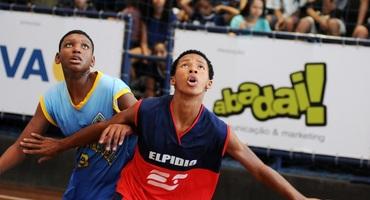 Polivalente, Lucas comanda Elpidio da Silva rumo às semifinais do basquete sub-14 não federado