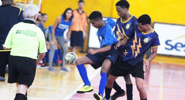 Quinta rodada do futsal tem duelo de cinco das seis categorias e oito equipes classificadas para semifinais