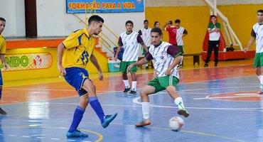 Rodada de seis jogos, disputada no ginásio do Colégio Odete São Paio, de São Gonçalo, define as decisões do futsal