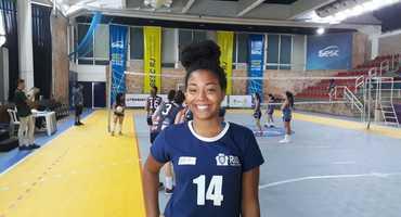 Talento de Ana Júlia é decisivo para a vitória do GEO Samaranch sobre a Escola ANCT na primeira rodada do vôlei