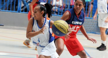 Talentos individuais e força coletiva marcam as quatro partidas das semifinais do basquete 2019, no Sesc São João de Meriti