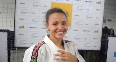 Vencedora de dois ouros, musa do judô quer seguir carreira militar