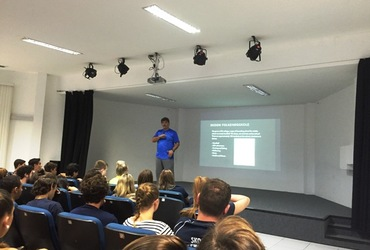 Anglo Americano promove intercâmbio esportivo e cultural com escola norueguesa