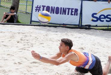 Atuação de José Fernandes no título do Triângulo atrai os holofotes do vôlei de praia do 37° Intercolegial Sesc O GLOBO