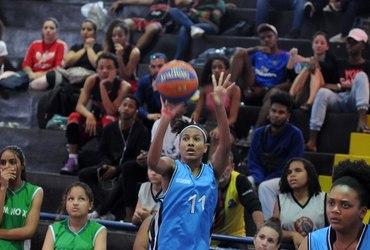 Atuação de gala, com direito a título da categoria livre e ouro no torneio de arremessos, faz de Brenda a melhor atleta do basquete 3x3