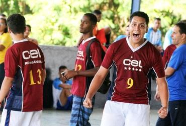 Autor de dois gols, Marcos mostra liderança e tem atuação de gala na classificação do CEL no futsal sub-18
