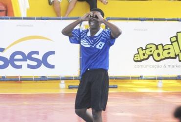 Autor de quatro gols na goleada do Instituto Sarah Kubitschek sobre o Sistema Elite, Paulo Henrique sonha alto